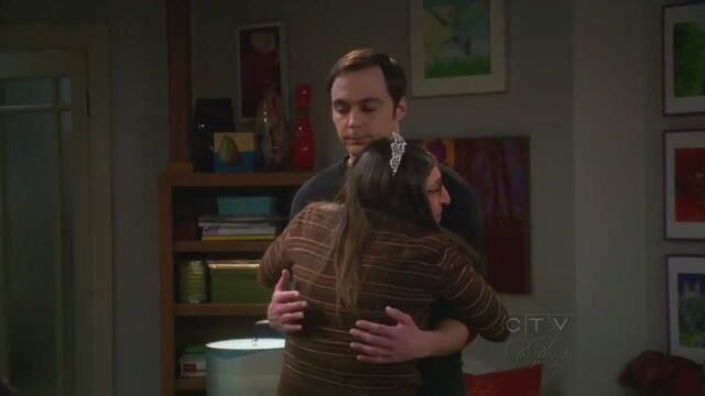 File:The Shiny Trinket Maneuver Shamy hugs.jpg