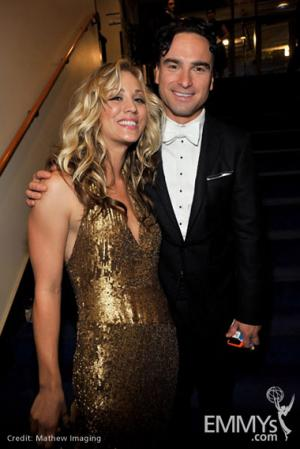 File:2009 Emmys Kaley Cuoco and Johnny Galecki.jpg