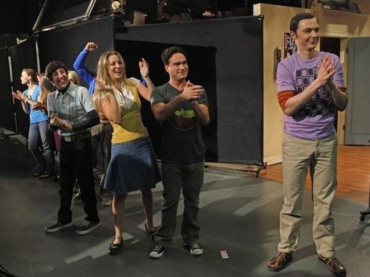 File:Big-bang-theory-behind-the-scenes-2-1-.jpg