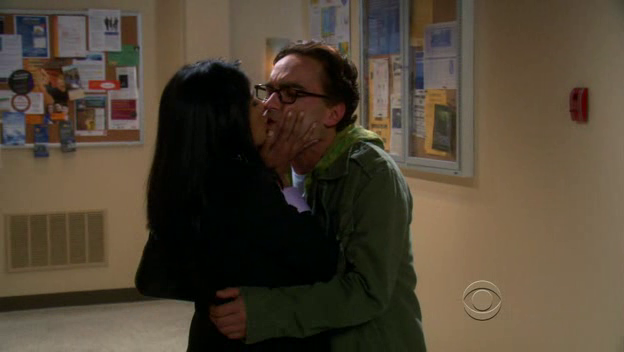 File:The-Big-Bang-Theory-1x06-Priya-Koothrappali-Leonard-Hofstadter-Cap-03.png