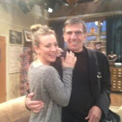 Kaley Cuoco with Leonard Nimoy (Behind the scenes).
