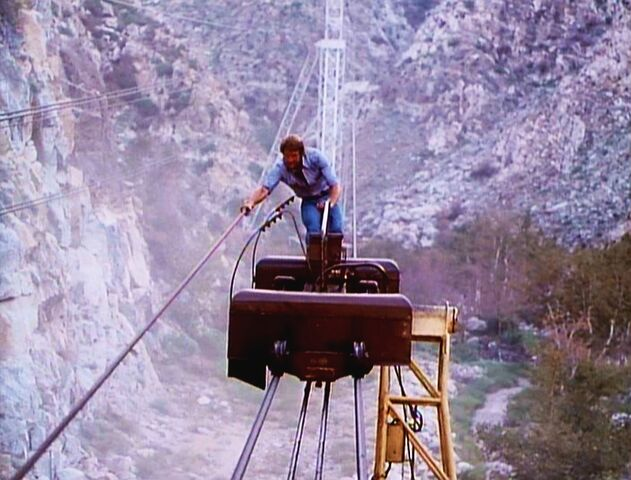File:Killer Wind - The SMDM powering the cable car.jpg