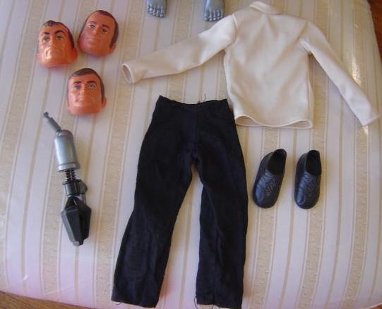File:Maskatron cloths.jpg