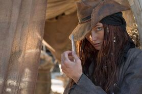 Anne black-sails-2014
