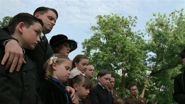 File:Thompson Family.jpeg