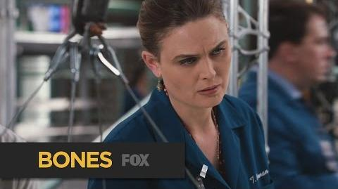 """BONES Tough Crowd from """"The Murder of the Meninist"""" FOX BROADCASTING"""