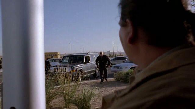 File:1x06 - Hank arresting Hugo.jpg