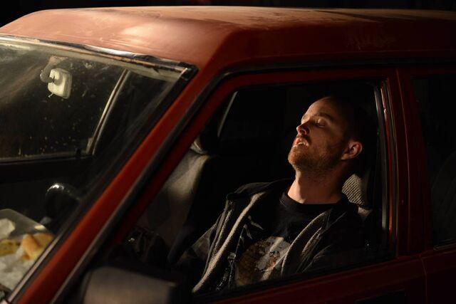 File:5x09 Jesse in car.jpg