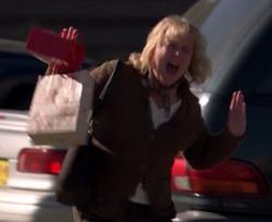 Screaming Shopper - One Minute