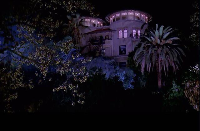 File:Glory's Mansion shadow.jpg