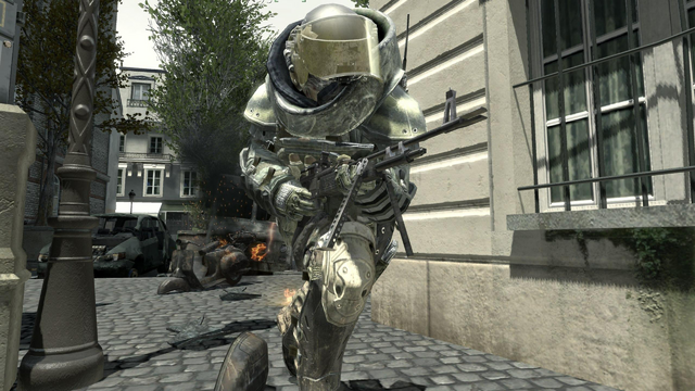 File:Juggernaut holding the M60E4 MW3.png