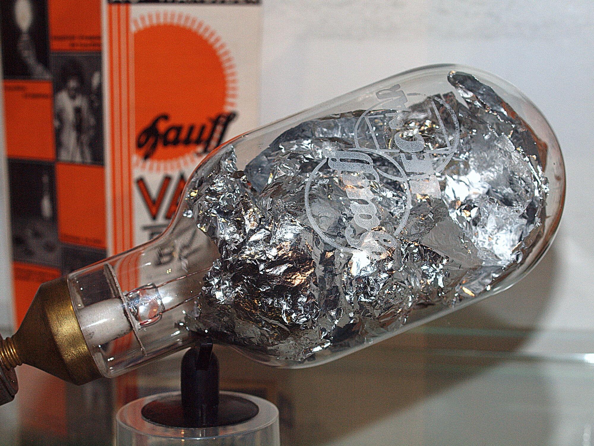 Flashbulbs Camerapedia Fandom Powered By Wikia
