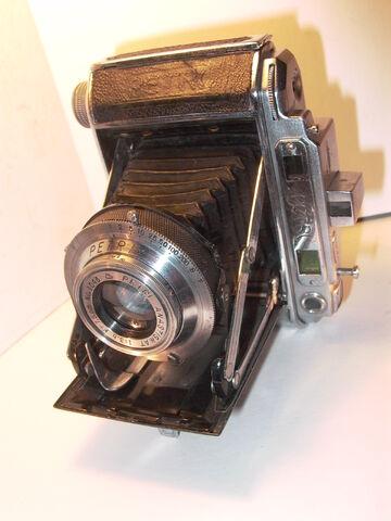 File:Z99 Petri Semi 1948 type.jpg
