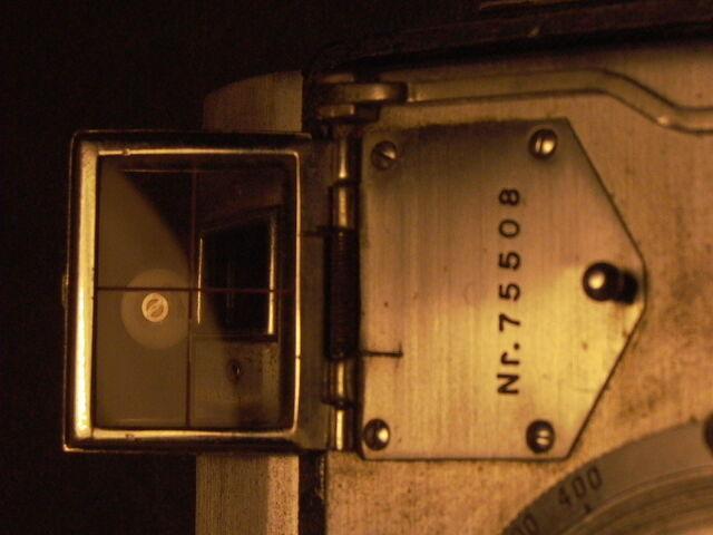 File:Z99 Minolta Auto press serial - 75508.jpg