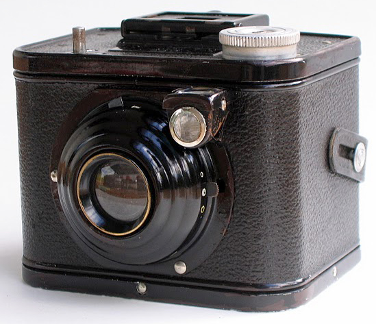 File:Kodak Box 620C.JPG