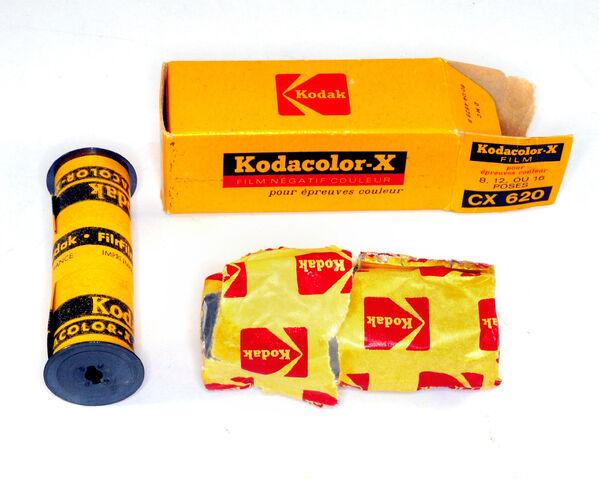 File:K-40 - Kodak, film CX 620 Kodacolor-X 80 ASA, Montromant, 2013-07-13 (13GBB).jpg