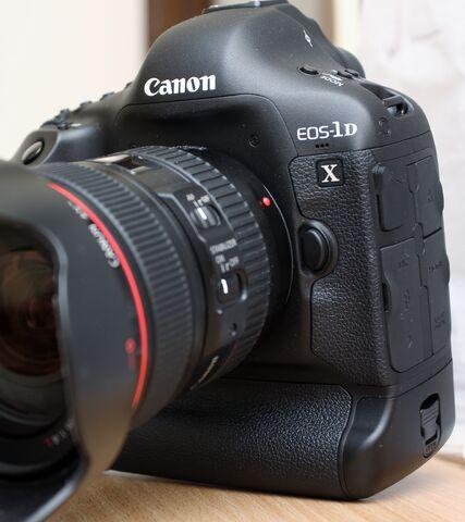 File:Canon's EOS-1D X.jpg