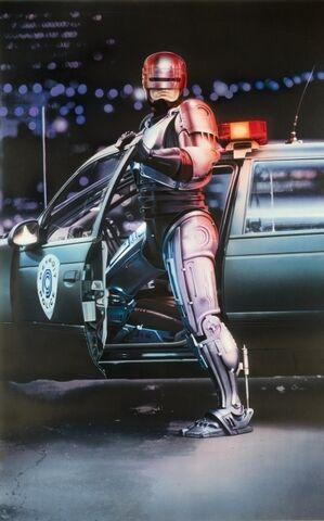 File:RoboCopPosterArt001.jpg
