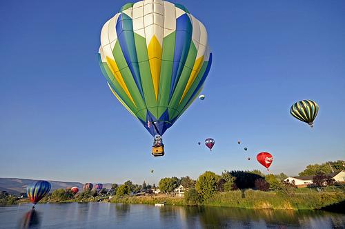 File:Balloon.jpg