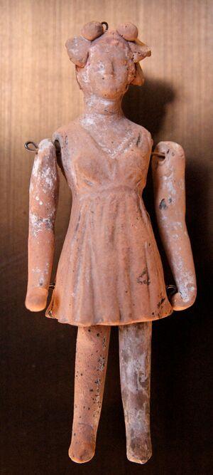 Terracotta doll Louvre Cp4654.jpg