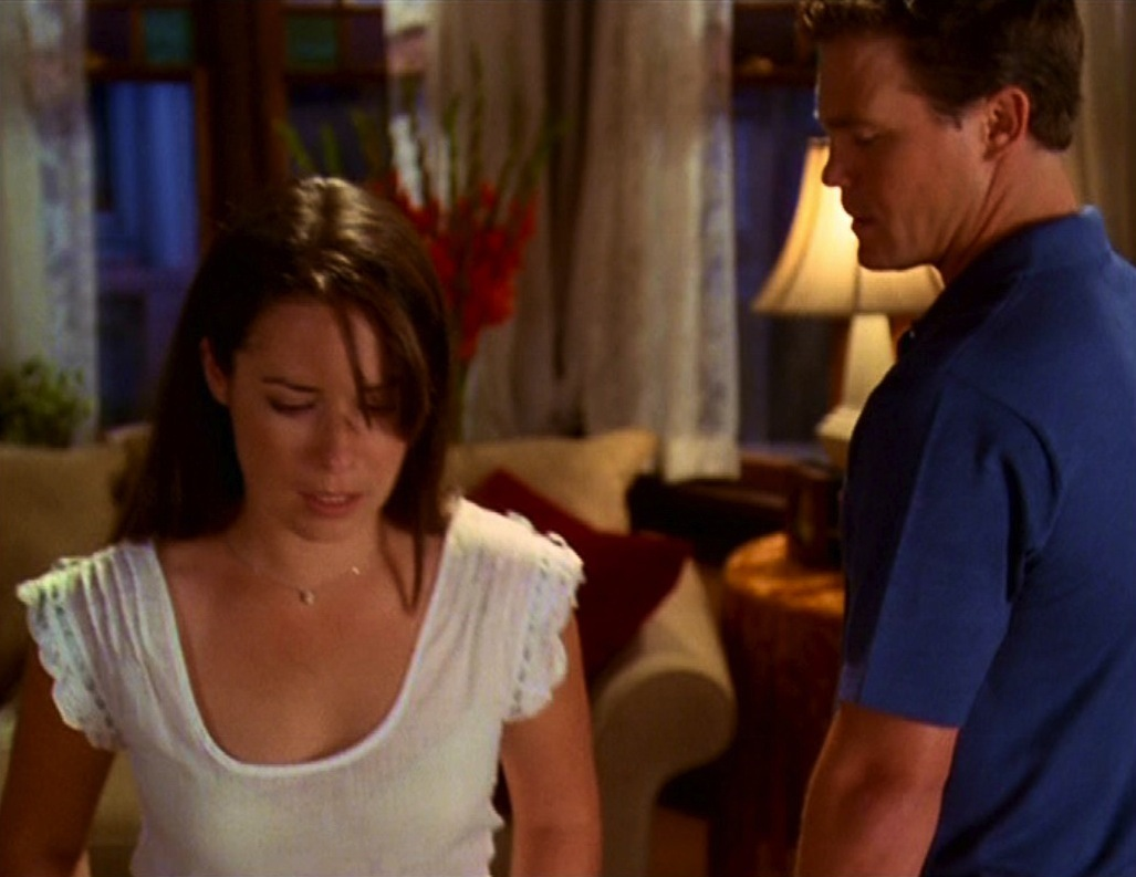 Charmed Leo And Piper Start Hookup