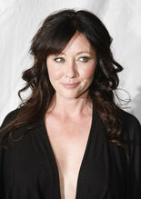 Shannen 90210PremiereParty4