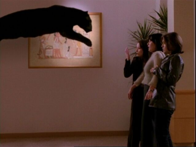 File:1x10-Hannah Frozen midair.jpg