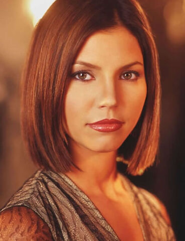 File:Charisma-carpenter.jpg