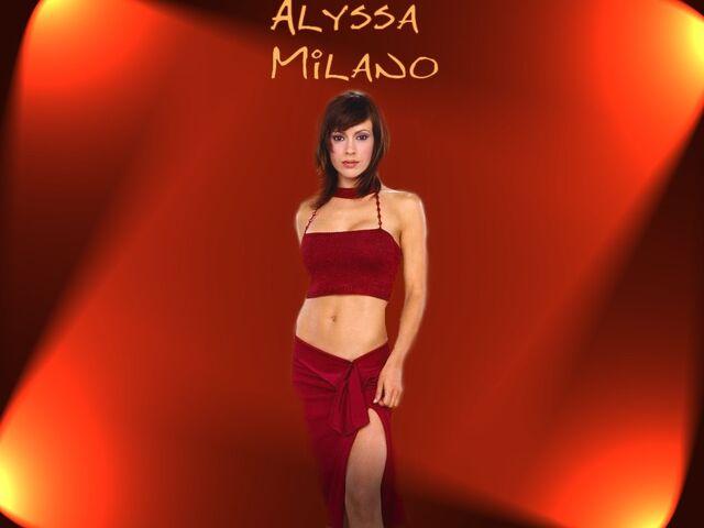 File:Alyssa Milano-Phoebe 120.jpg