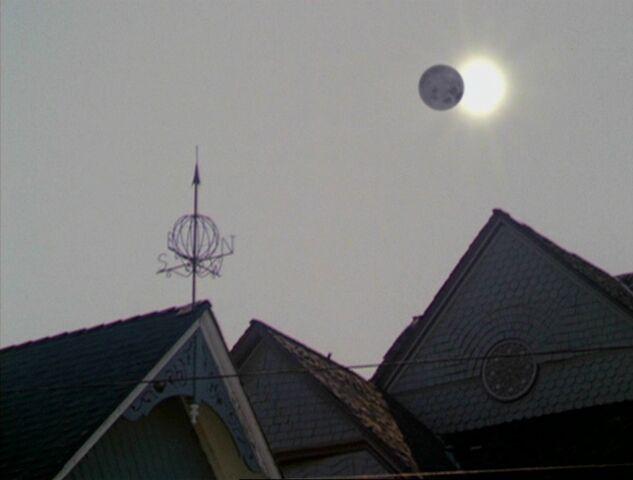 File:Solareclipse.jpg
