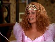 Piper as Glinda