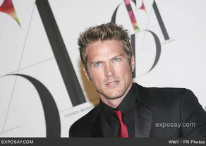 Jason-lewis-2008-cfda-fashion-awards-arrivals-SehmHz