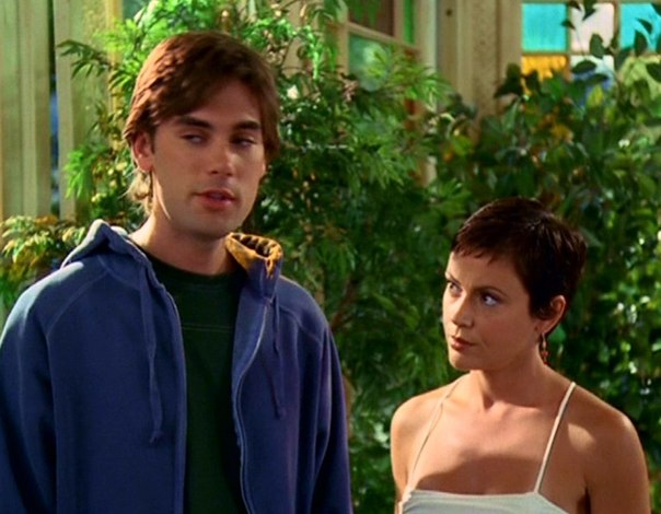 File:Chris & Phoebe 6x1-4.jpg