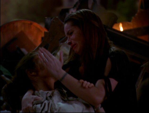 File:8x21-Piper-Phoebe-Dead.jpg