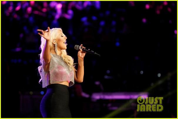 File:Christina-aguilera-pitbull-the-voice-finale-performance-video-02.JPG