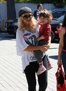 Christina-aguilera-on-son-max-he-wants-me-all-to-himself-500x687
