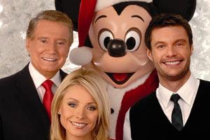 File:Disneyparade.jpg