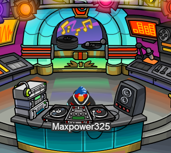 File:Me in the DJ3K.png