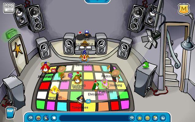 File:Dance Club.JPG