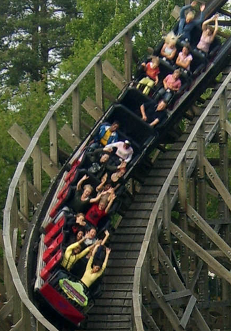 File:ThunderCoaster1.png