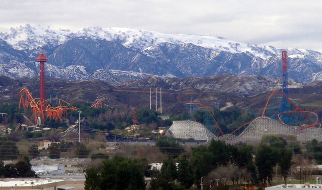 File:Magic Mountain Overview Snow.jpg