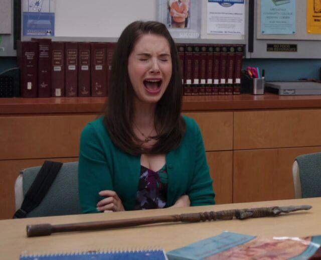 File:2x1 Annie crying.jpg