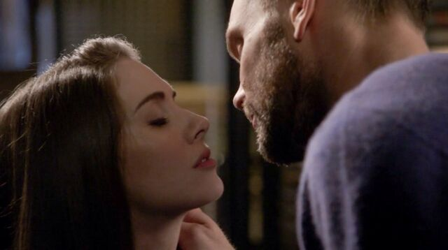 File:6x13 Jeff and Annie kiss 2.jpg
