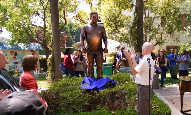 Guzman statue