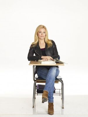 Community s2 gillian jacobs 005 595