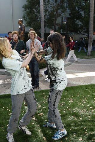 File:2x3 Promopic Britta and Annie start fighting.jpg