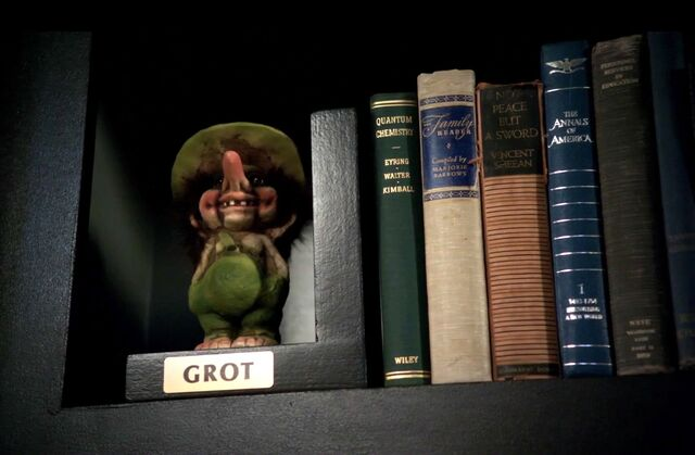 File:Troll doll bookshelf2.jpg
