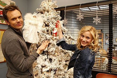 File:Jeff-Britta-Christmas 2.jpg