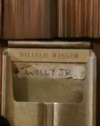 File:Willy Jr mailbox.jpg