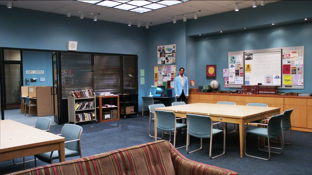 File:1X25 Abed says goodbye to the study room.png